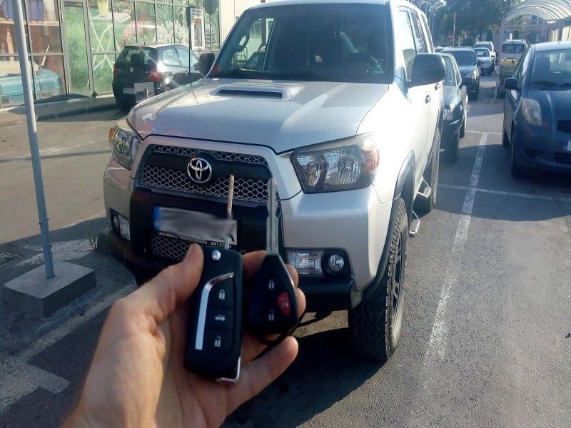 Дубликат ключ Toyota 4Runner